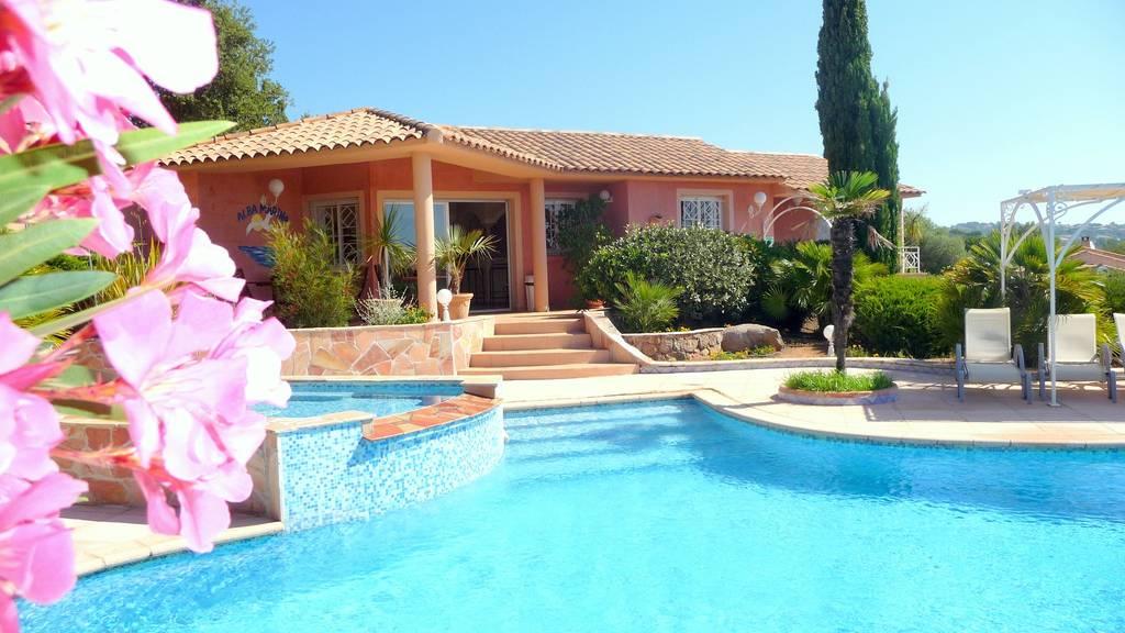 Location en corse du sud villa porto vecchio for Villa avec piscine en corse